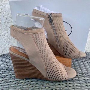 Steve Madden Winny Perforated Wedge Sandal